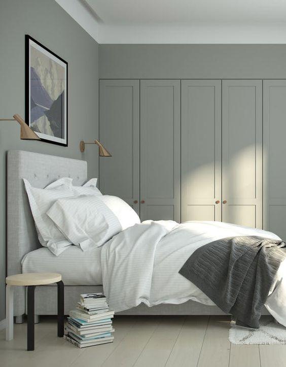 kleine slaapkamer hoge kledingkast