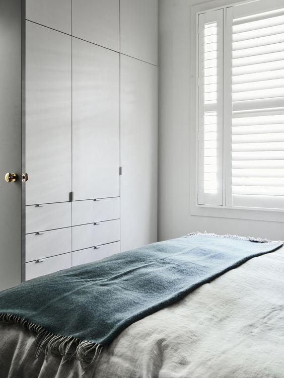 kleine slaapkamer mooie grote kledingkast op maat