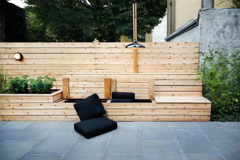 New Eco heeft deze mooie op maat gemaakte houten bank met opbergruimte ontworpen voor een klant.