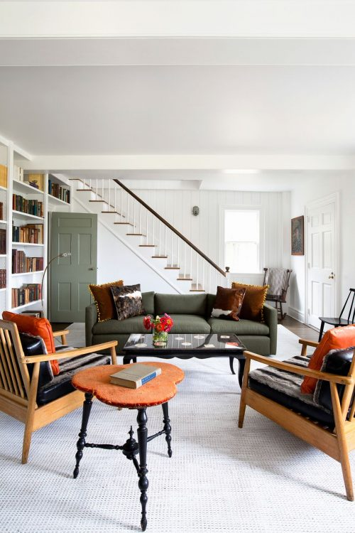 Landelijk woonkamer ontwerp door Fawn Galli