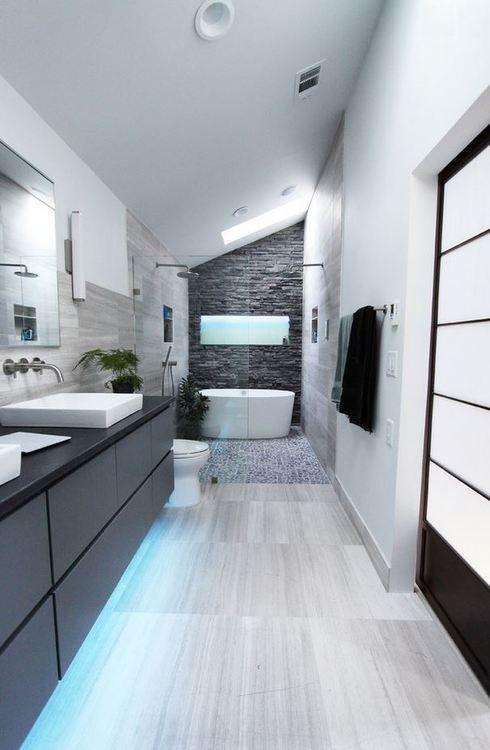 lange grote badkamers voorbeelden