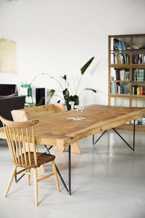 Lange houten eettafel