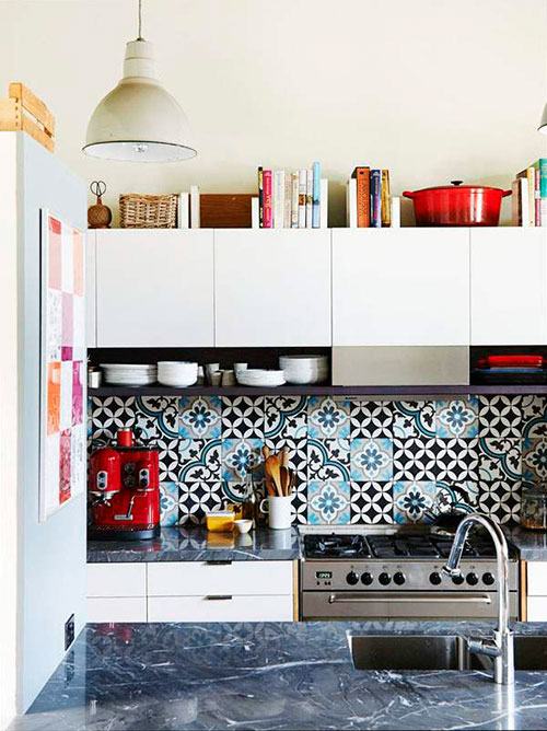 Marokkaanse tegels in de keukenMarokkaanse tegels in de keukenwand