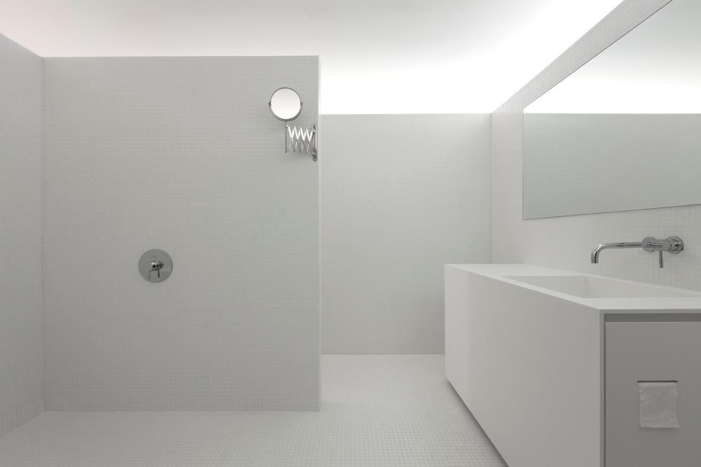 minimalistische badkamers voorbeelden mozaïek