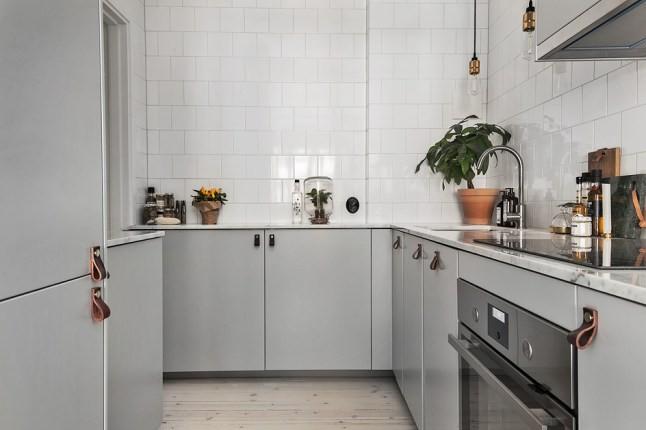 In dit kleine Scandinavische appartement vind je hele leuke woonideeën!