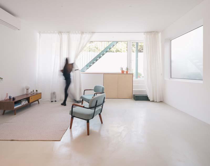 moderne lichte woonkamer