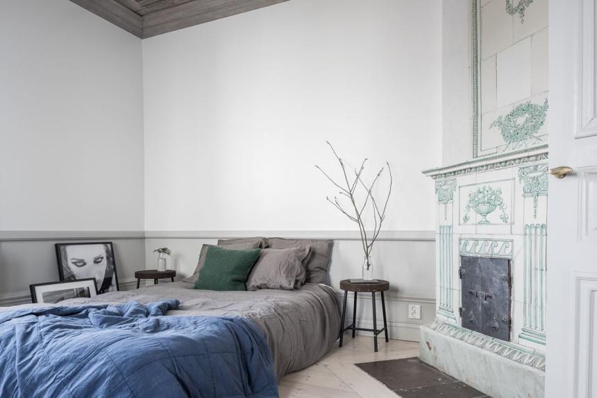 Mooie slaapkamer met karakteristieke plafondschildering