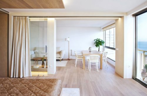 Moderne Slaapkamer met glazen schuifdeuren