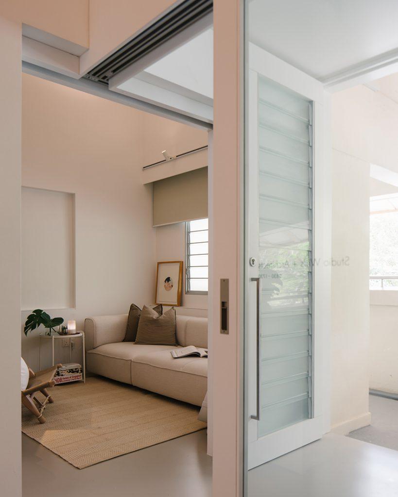 moderne woonkamer warme natuurlijke kleuren