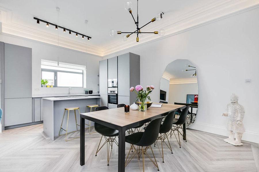 Mooie moderne woonkamer door Day True