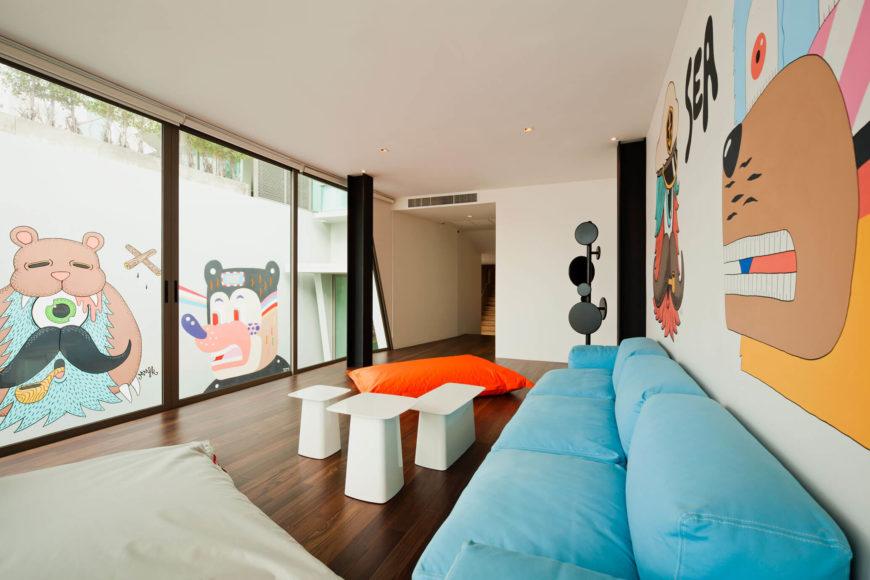 mooie muurschilderingen woonkamer