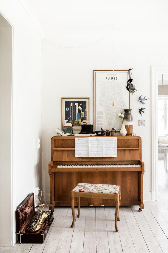 muziekinstrumenten in huis
