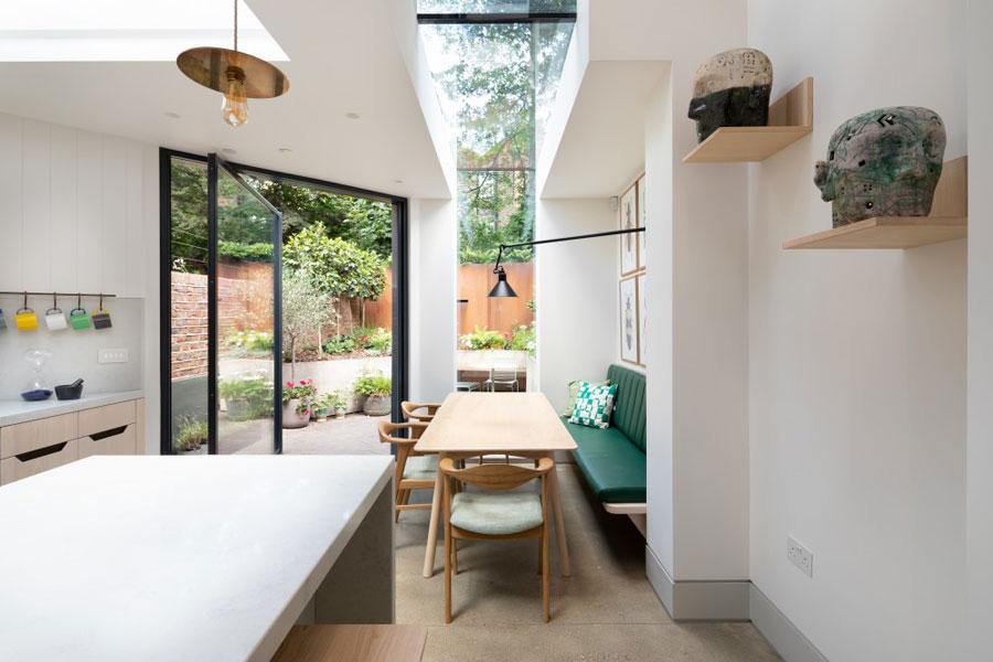 Nieuwe woonkeuken in uitbouw en een nieuwe tuin!