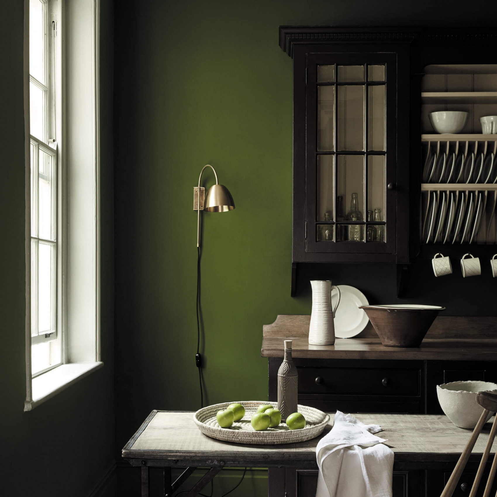 olijfgroene muur little green jewel beetle keuken