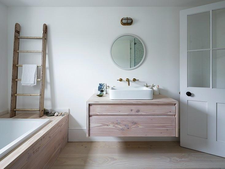 opbergruimte kleine badkamer houten badkamermeubel