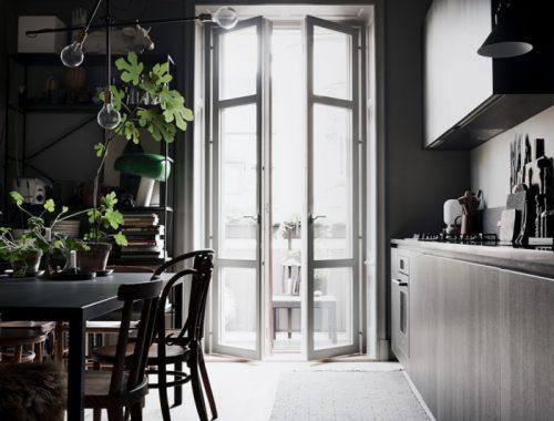 open-keuken-thonet-stoelen