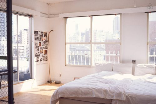 Open slaapkamer van loft in Tokyo