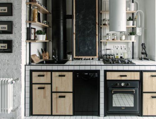 Open woonkamer in bijzondere keuken