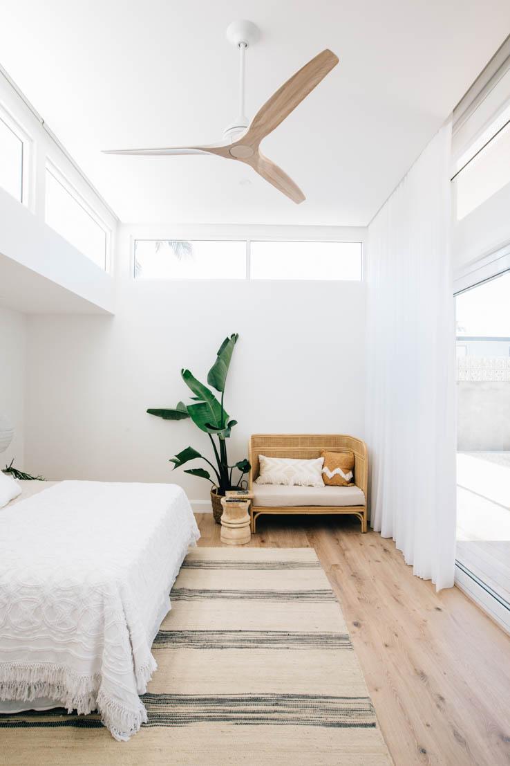 Paradijsvogel plant in mand slaapkamer