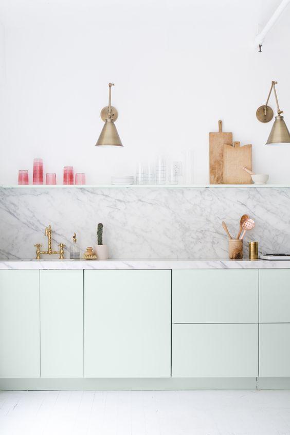 Pastelgroene keuken