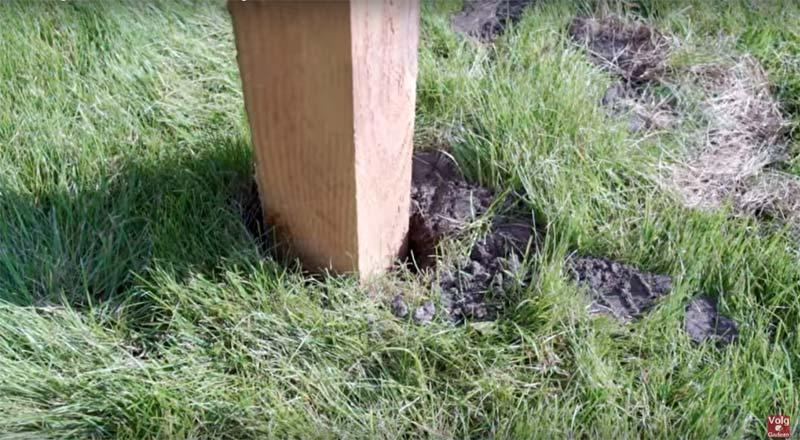 pergola maken in gras plaatsen
