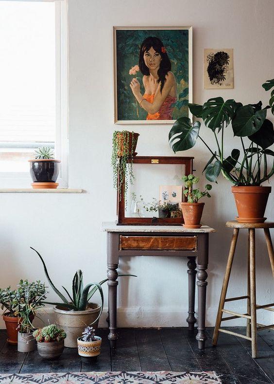 Plant op een kruk