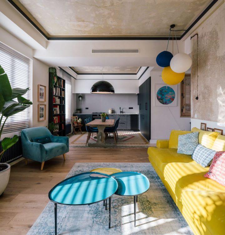 rauwe muren woonkamer