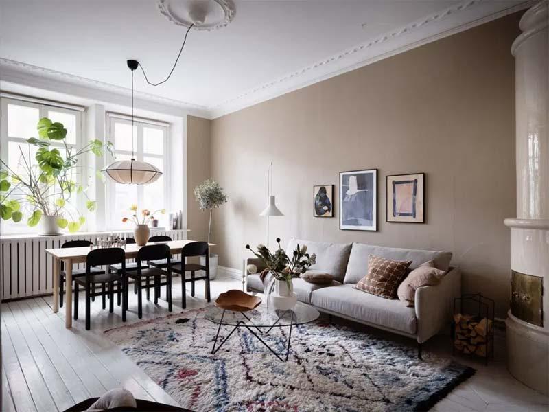 rechthoekige eettafel in woonkamer