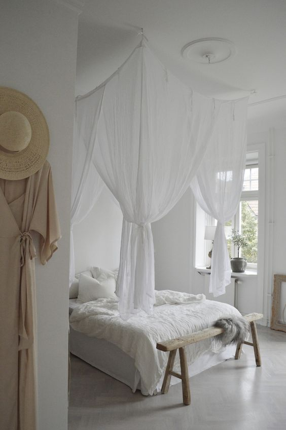 Romantische witte slaapkamer