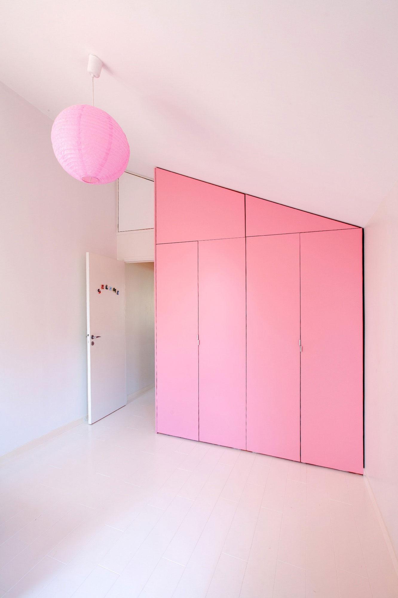 roze-kast-kinderkamer