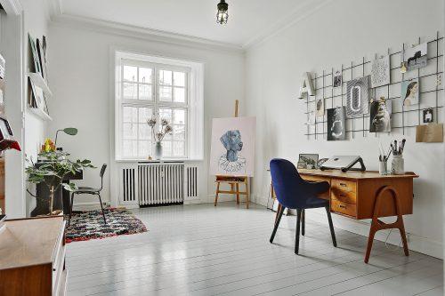 Ruim thuiskantoor in Noors appartement