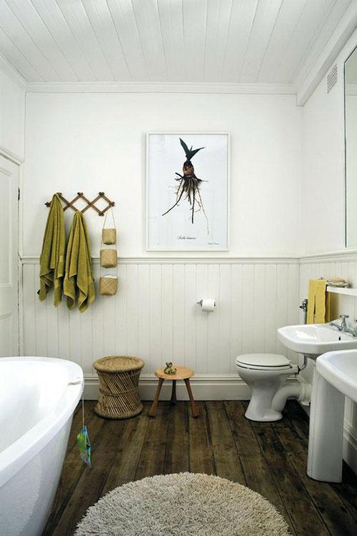Rustieke houten vloer in badkamer