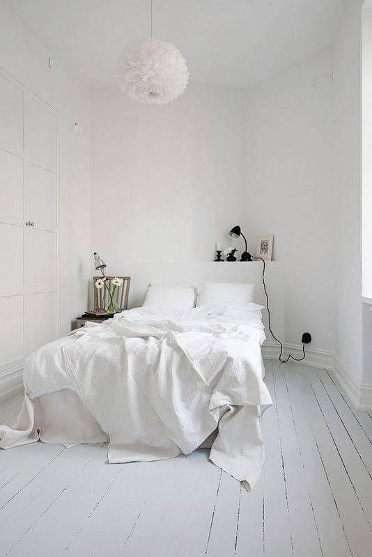 Scandinavische witte slaapkamer