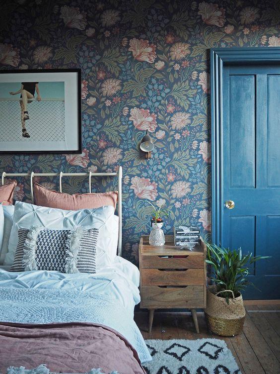 slaapkamer bloemetjes behang