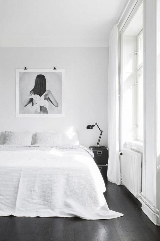 slaapkamer houten vloer donker