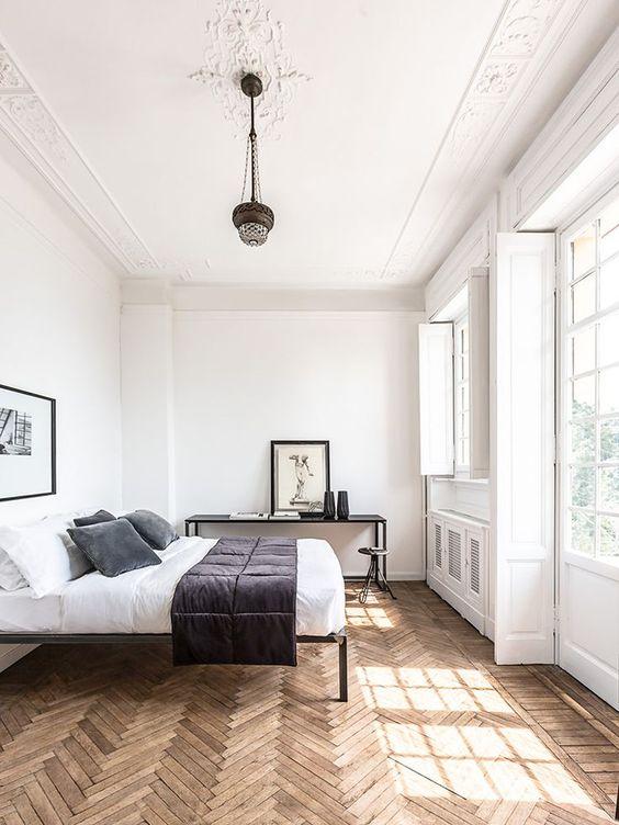 slaapkamer houten vloer visgraat
