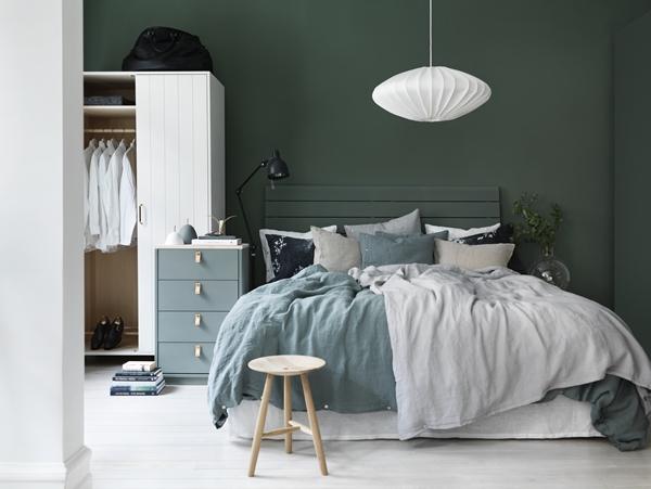 Slaapkamer Van Norrgavel Met Olijfgroene Muren Huis