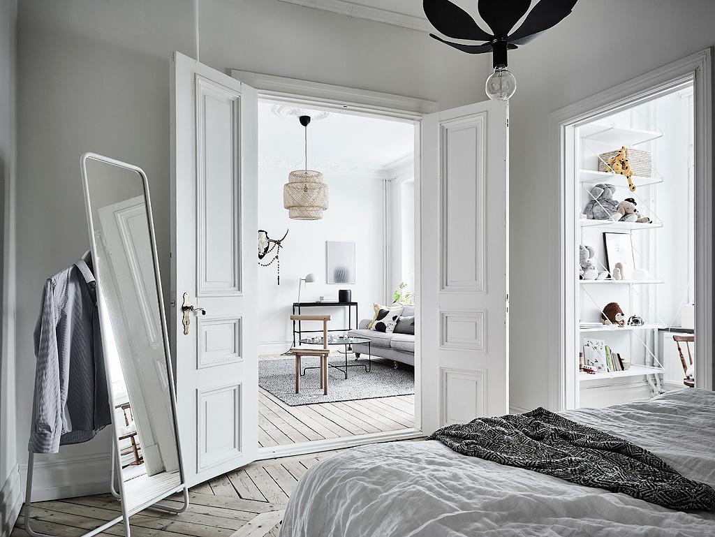 Slaapkamer opsplitsen voor het creëren van een extra kinderkamer