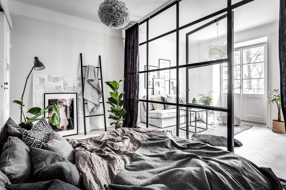 slaapkamer-stalen-kozijnen-glazen-wand