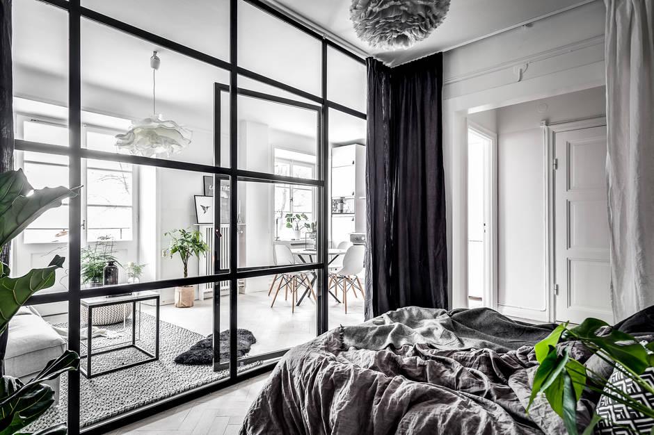 slaapkamer-super-stoere-glazen-wand-stalen-kozijnen-2