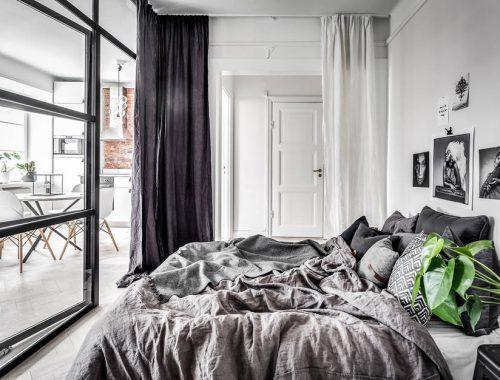 slaapkamer-super-stoere-glazen-wand-stalen-kozijnen