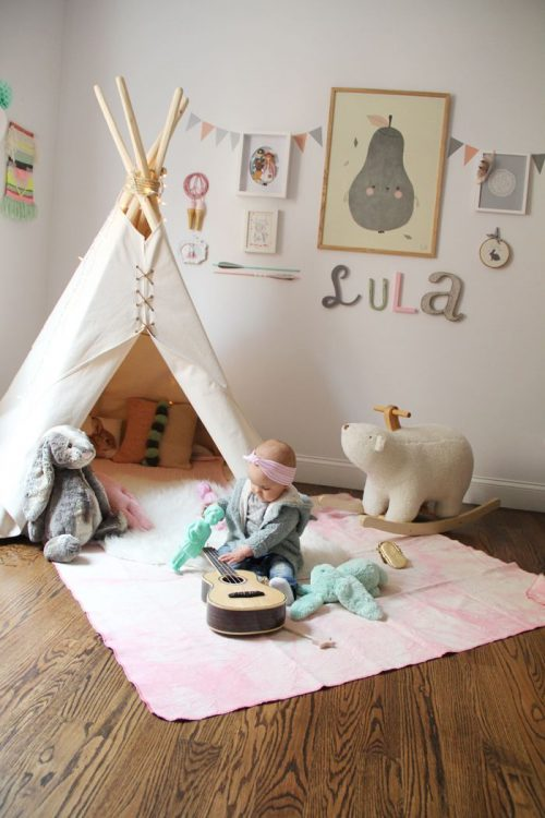 Slingers in de babykamer