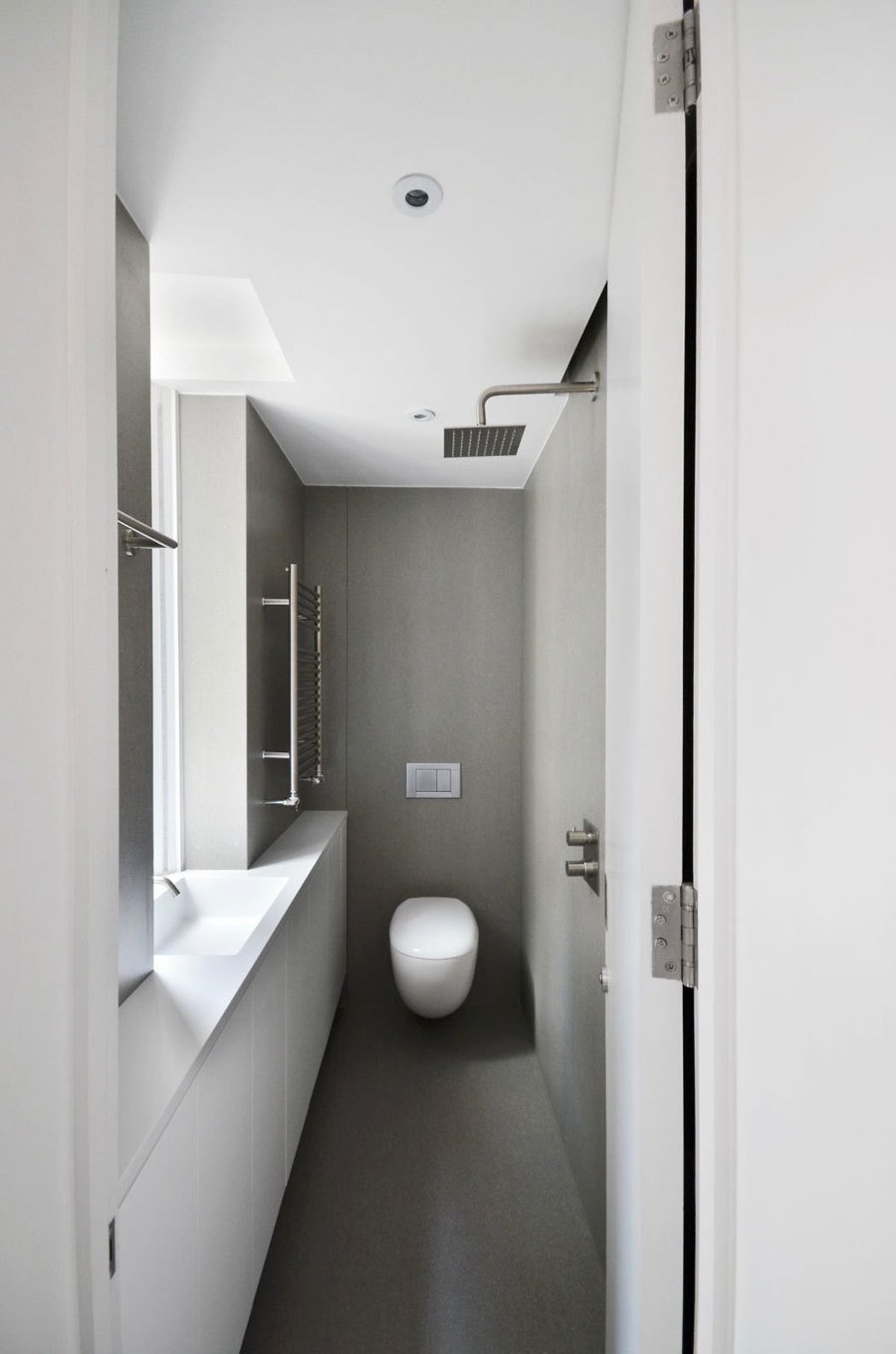 smalle badkamers voorbeelden 1x2 5m2