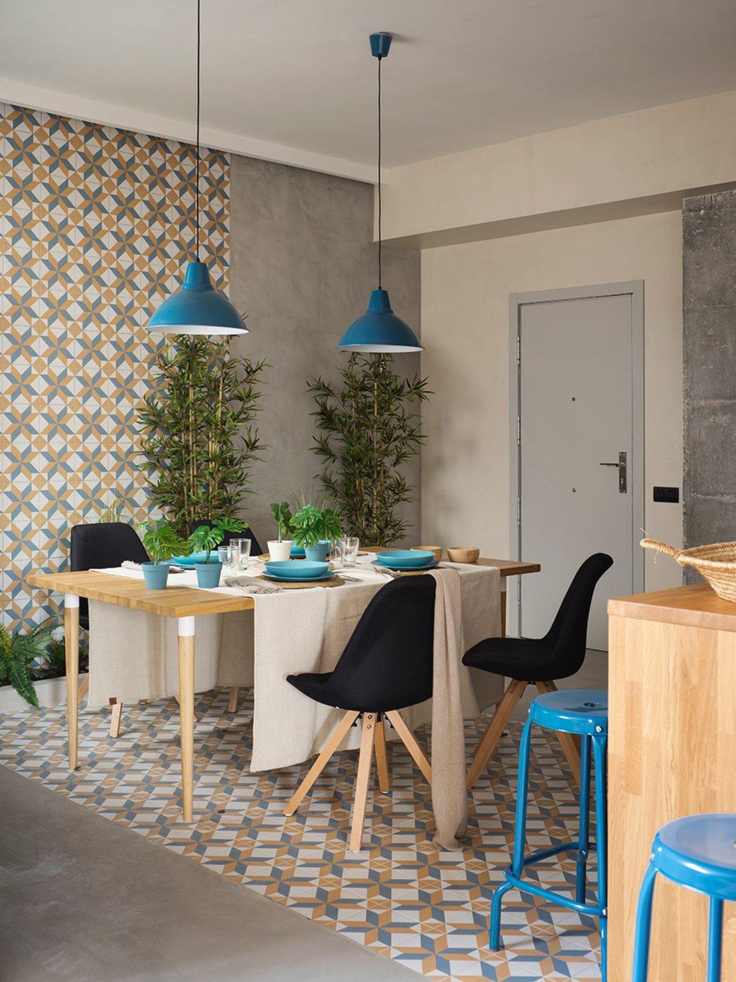 In dit stijlvolle appartement vind je een mooie mix van verschillende materialen