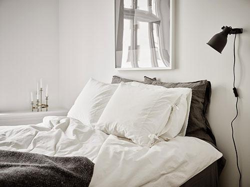 Stijlvolle minimalistisch witte slaapkamer