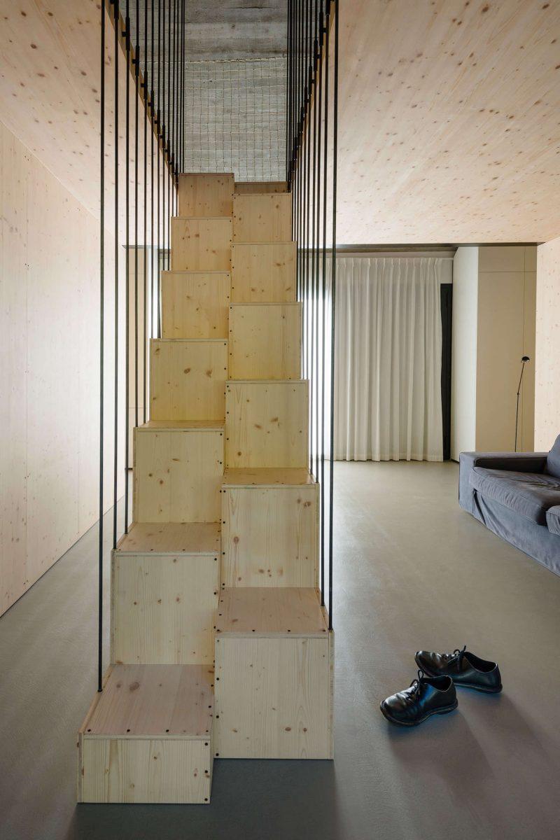 Stoere compacte vrijstaande woning met een speelse en stoer tintje