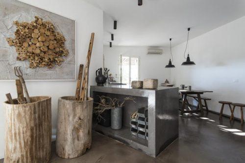 Stoere woonkamer van Italiaanse architect