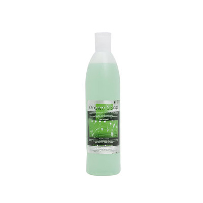 Tuintegels schoonmaken met groene zeep