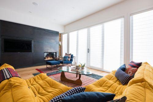 Twee woonkamers op één verdieping