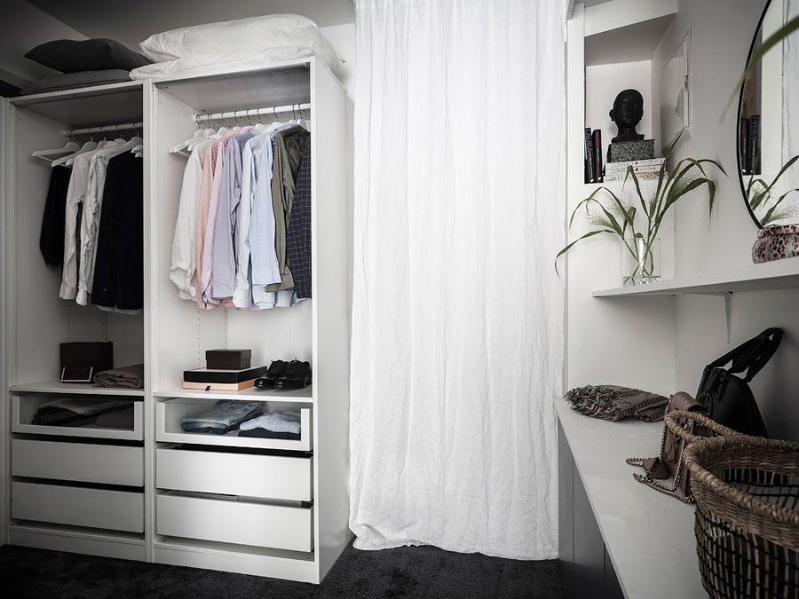 U-vormige inloopkast maken slaapkamer